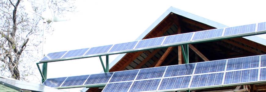Sistem rezidential mixt (fotovoltaic / eolian)